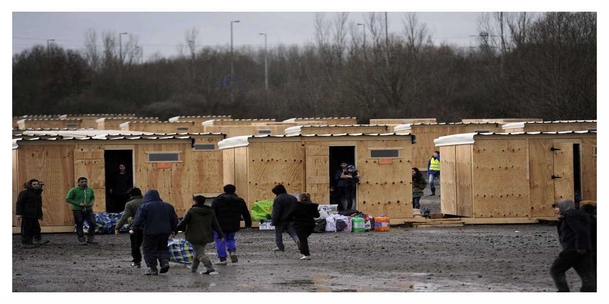 L'État souhaite «sous-traiter l'accueil des migrants» aux Français les plus précaires
