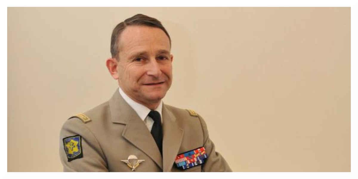 La démission du chef d'état-major des armées, Pierre de Villiers