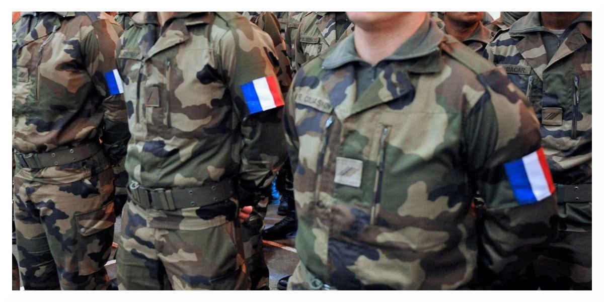 Les femmes de militaires manifestent leur colère dans la capitale
