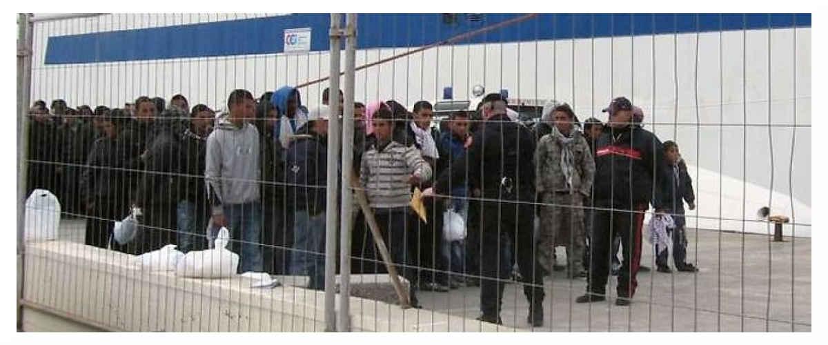 Les expulsions d'étrangers illégaux ont coûté 500 millions d'euros à l'Etat