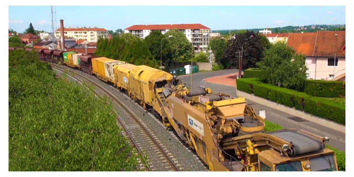 Train usine P95