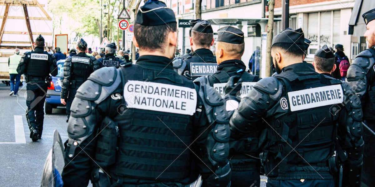 Les gendarmes s'équipent chez les trafiquants de drogue