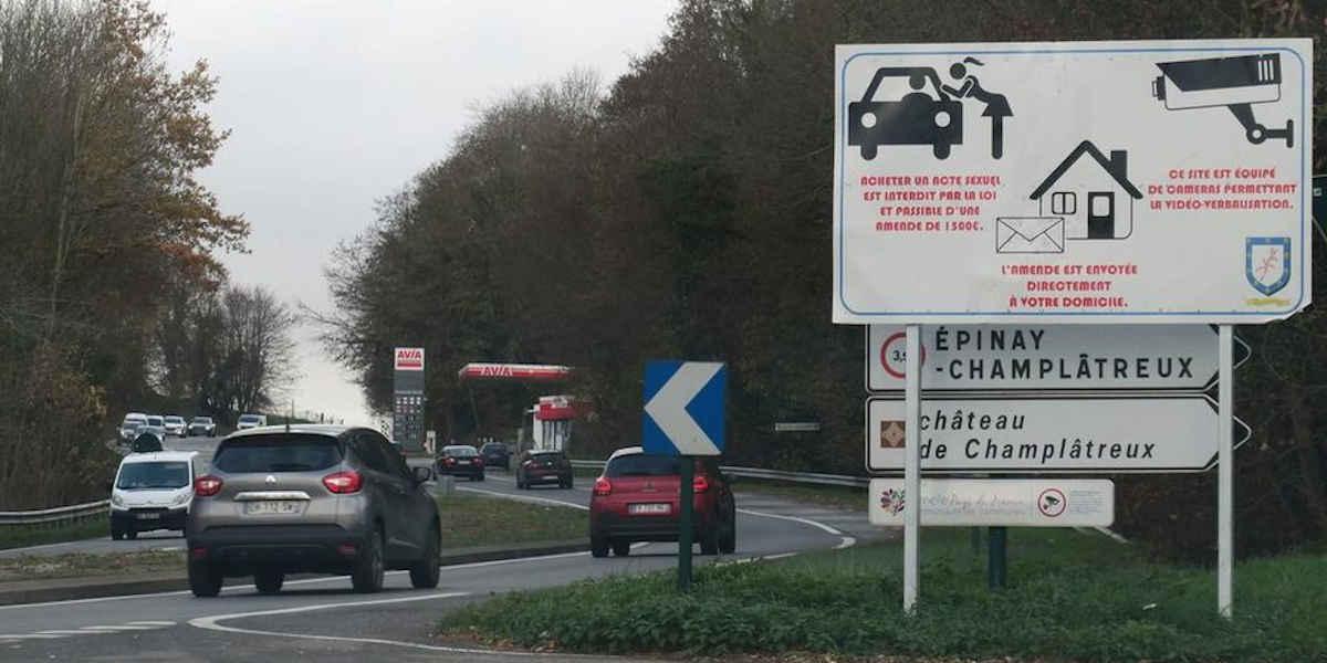 Des panneaux de signalisation pour alerter sur la prostitution