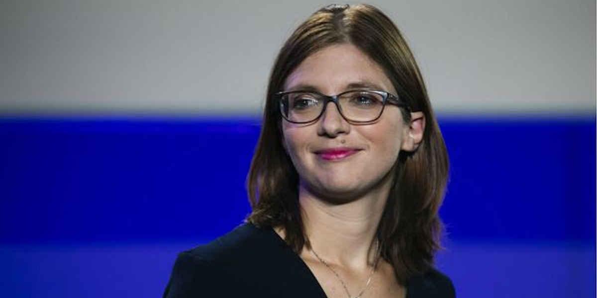 En opposition de l'exécutif, Aurore Bergé veut interdire le voile aux petites filles