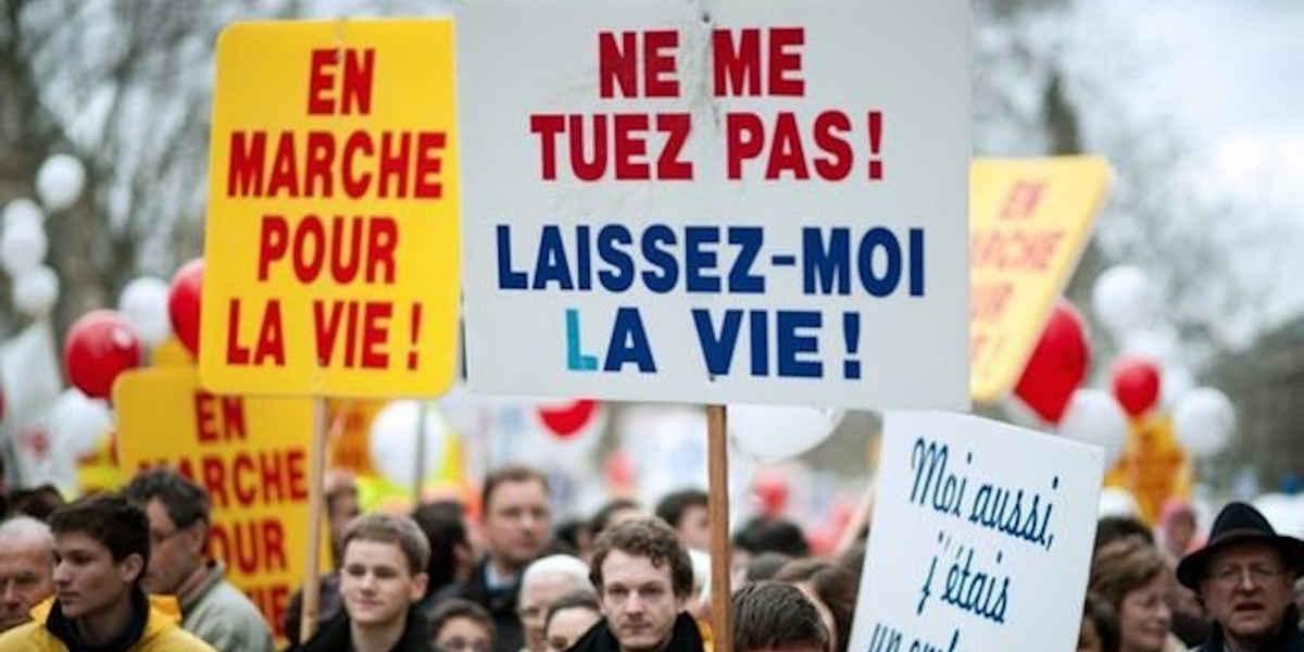 Environ 5 000 personnes étaient rassemblées à Paris contre l'avortement